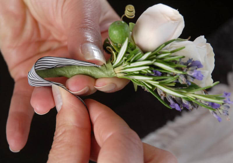 How To Make A Boutonniere - save on crafts